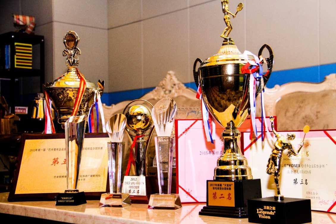 通过组织体育赛事带动体育产业的发展